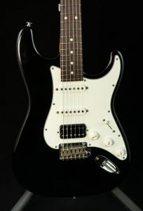 Suhr Classic S Antique in Black