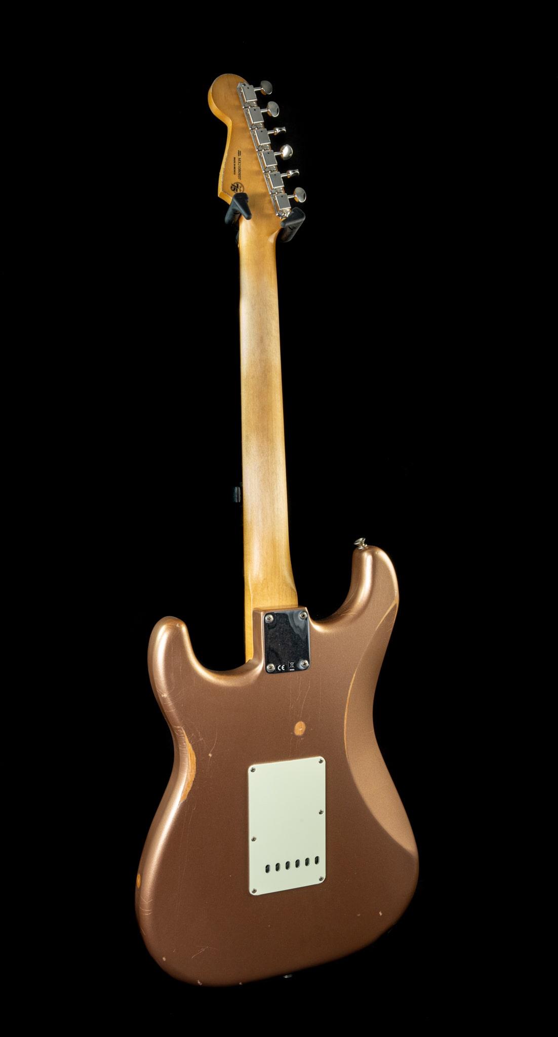 Fender Vintera Road Worn '60s Stratocaster in Firemist Gold