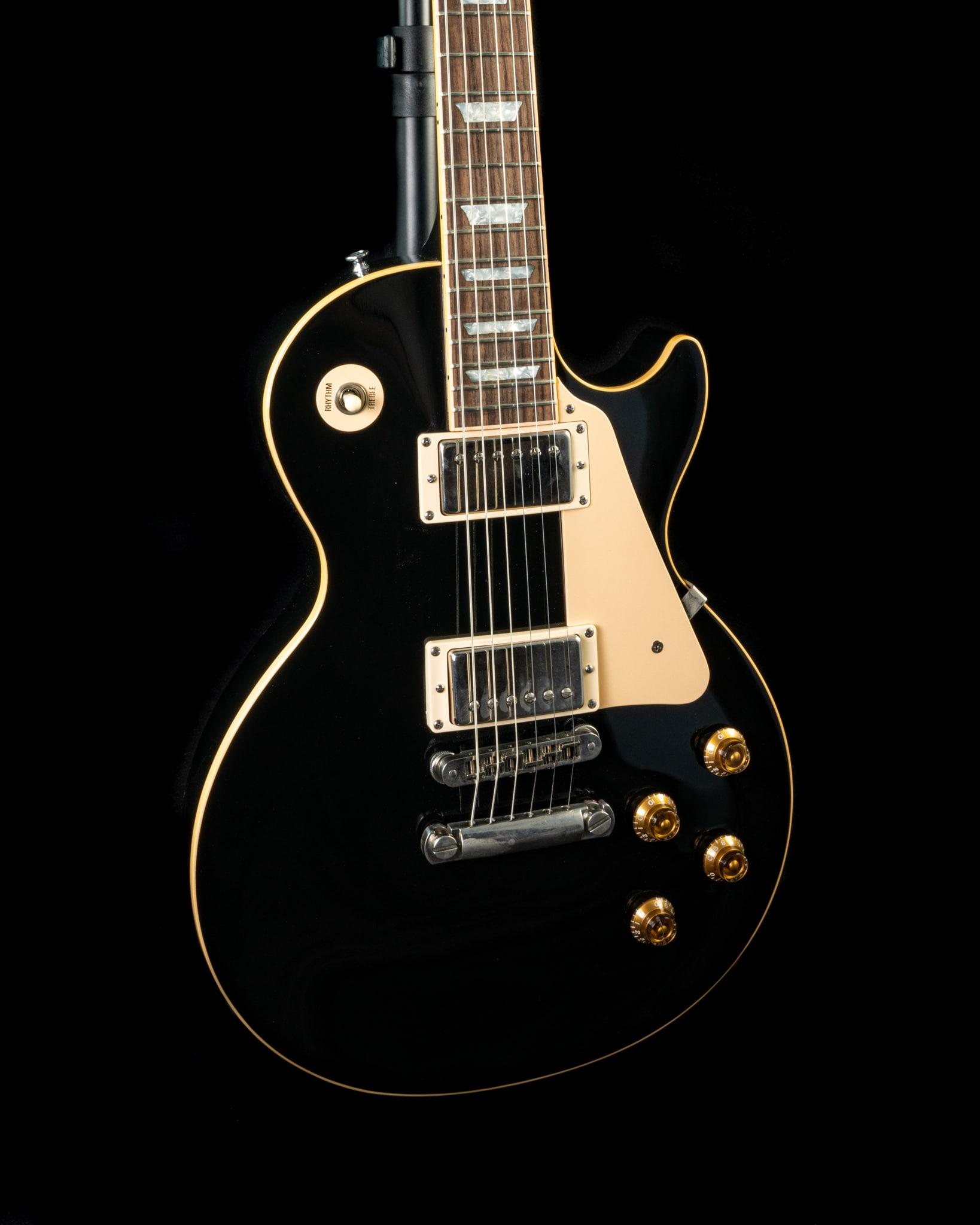 Gibson Les Paul Standard in Ebony, Pre-Owned