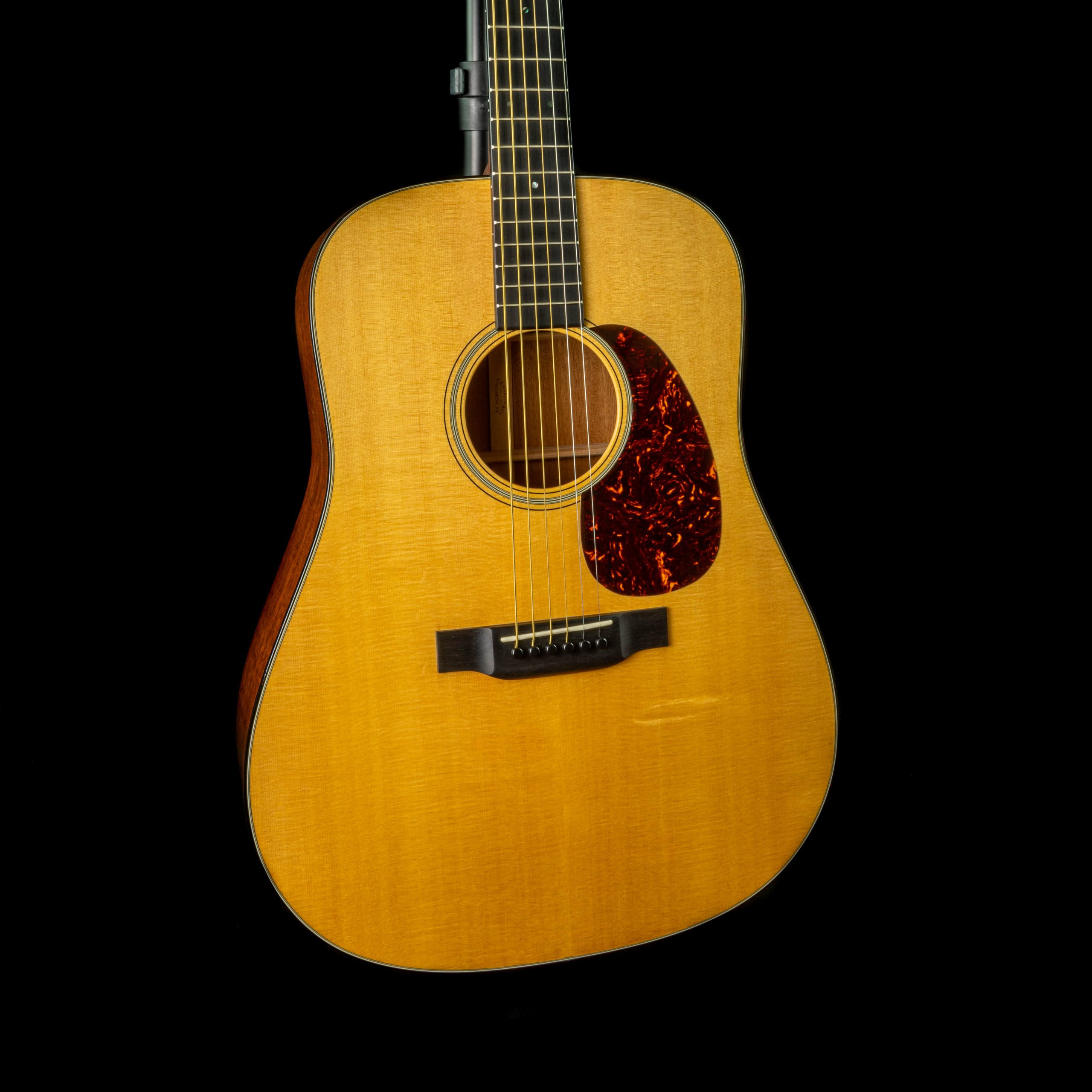 Martin - 2015 - D18, Pre-Owned